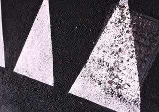 <strong>road marking</strong> &nbsp;&nbsp;&nbsp;84 x 59,45 cm&nbsp;&nbsp;&nbsp;direct print on brushed aluminium